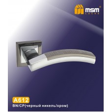 Ручка на квадратной накладке MSM A612 Цвет: BN/CP - Чёрный никель/Хром
